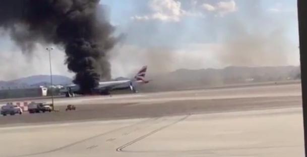 У США загорівся пасажирський літак: 17 постраждалих (відео)