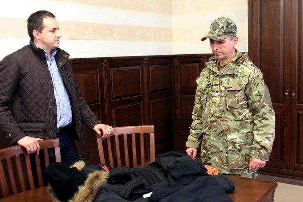 Івано-Франківська Архієпархія передала для захисниці з Прикарпаття термобілизну та зимову куртку