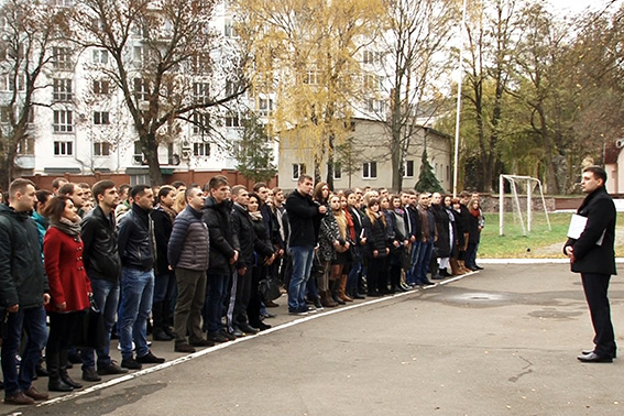 В Івано-Франківську патрулюватимуть 59 полісменок