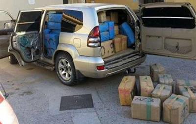 На пляжі в Іспанії знайшли автомобіль з двома тоннами гашишу