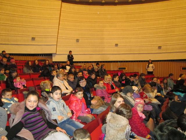У Франківську дітям-пільговикам показали виставу «Старий чоботар»