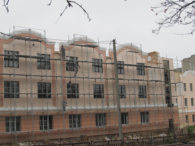 На Тернопільщині франківчани за 29 мільйонів доремонтують корпус лікарні та центр для пенсіонерів