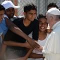 Папа Римський відвіз з Греції три мусульманських сім'ї