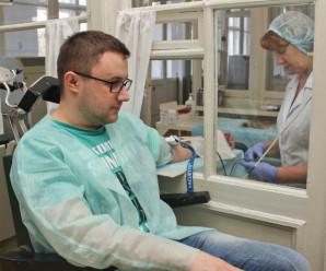 В Івано-Франківську півсотні студентів здали кров для бійців АТО