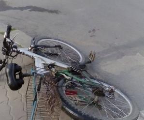 Івано-Франківськ: на вулиці Незалежності скутер збив велосипедиста (фото)