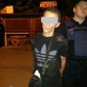 Франківські патрульні затримали раніше судимого чоловіка зі сріблом (ФОТО)