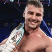 Непереможний український боксер здобув складну перемогу в США, піднявшись з нокдауну