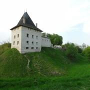 У замку Галича з 4-метрового колектора дістали 16-річного юнака