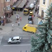 Патрульні евакуювали ще одного авторагуля із центру Івано-Франківська (фото+відео)