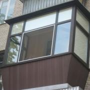 """В Івано-Франківську рятувальники визволили двох жінок із """"балконного полону"""""""