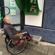 Недоступні банкомати, або як франківець на візку намагався зняти гроші з картки