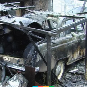 По вулиці Мазепи цієї ночі вщент згорів автомобіль