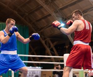 Видовищний вечір боксу відбувся в Івано-Франківську: билися українці, німці та молдовани (ФОТО)