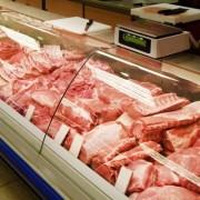 Курятина та свинина по одній ціні: в Україні зрівнялися ціни на м'ясо