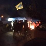 На кордоні з Румунією справжній майдан: КПП Солотвино заблоковане, люди встановлюють намети (ФОТО)