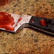 В центрі Франківська конфлікт між двома чоловіками завершився ножовим пораненням