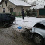 В Коломиї шукають свідків ДТП: потрощені дві машини (фото)