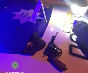 В Івано-Франківську під час бійки патрульні затримали учасника АТО зі зброєю (фото)