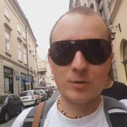 Прошу підтримати, людина діло каже. Польща. Автомобіль за одну зарплату (Відео)
