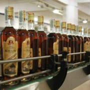 Прикарпатцям розповіли, як відрізнити оригінальний алкоголь від підробленого