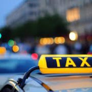 Чи легально працюють: в Івано-Франківську відбулася рейдова перевірка місцевих таксистів