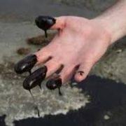На Долинщині надзвичайна комісія з`ясовує причини витоку нафти в п`ятьох місцях