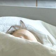 В Одесі пoмерла 2-річна дівчинка, яку батьки обварили окропом і два тижні самі лікували