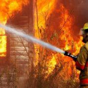 На Прикарпатті у власному домі ледь не згоріли четверо дітей (додано фото)
