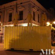 Люди в жовтому знову з'явилися в центрі Франківська. ВІДЕО