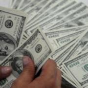 У Кабміні спрогнозували, як змінюватиметься курс долара до 2020 року