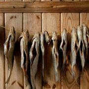 Смертельний випадок через захворювання ботулізмом: франківців застерігають від вживання в'яленої риби