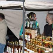 Випивка і діти. На міському озері, де святкували Івана Купала, відкрито продавали алкоголь