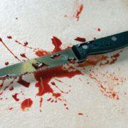 На Прикарпатті лікарі врятували чоловіка з ножем у серці