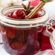 Заморожувати чи консервувати? Що потрібно знати про заготівлю ягід та фруктів