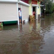 Після зливи вулиці Коломиї перетворились на Венецію (фото + відео)