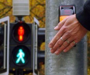 Франківці просять встановити кнопку на світлофорі для пішоходів на одній із вулиць міста