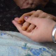 Забуті Богом і людьми: підопічні будинку для людей похилого віку в Більшівцях живуть у жахливих умовах