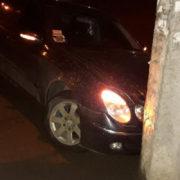 У Франківську водій в'їхав у стовп, Рятуючи п'яного пішохода (фото)