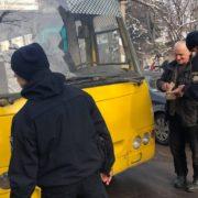 """У Франківську поліція оштрафувала водія маршрутки, який не пропустив """"швидку"""""""