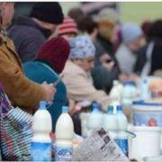 Хто додумався ЗГНОЇТИ українських селян? З 1 січня вони вже не можуть продавати домашнє молоко!