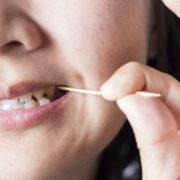 Страшні таємниці зубочисток: Чому ними не можна користуватися