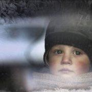 Хлопчик 20 хвилин стукав у вікно: вихователі забули малюка на сильному морозі