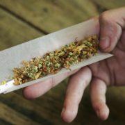 У Калуші поліцейські в перехожого виявили наркотики
