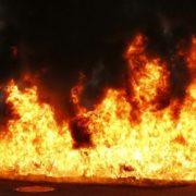 Стовп чорного диму до небес, дихати неможливо: подробиці НП у Черкасах