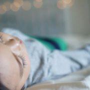 """""""Ввів дозу прeпарату, що в 5 разів перевищувала необхідну"""": на Херсонщині через помилку лікaрів помeрла 3-річна дитина"""