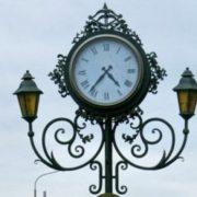 Два декоративні годинники встановлять у Франківську