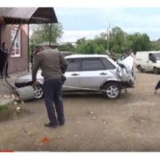 """""""Я рятував людей"""": на Прикарпатті рейсовий автобус з пасажирами потрапив у ДТП. ВІДЕО"""