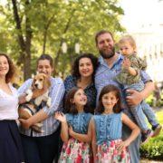 Як живуть багатодітні родини: історії п'ятьох прикарпатських сімей