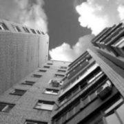 З вікна гуртожитку львівського університету випав 19-річний студент