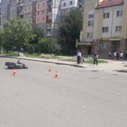 Скутерист, який збив 7-річну дівчинку на «Каскаді», виявився неповнолітнім, а його скутер – незареєстрованим (фотофакт)